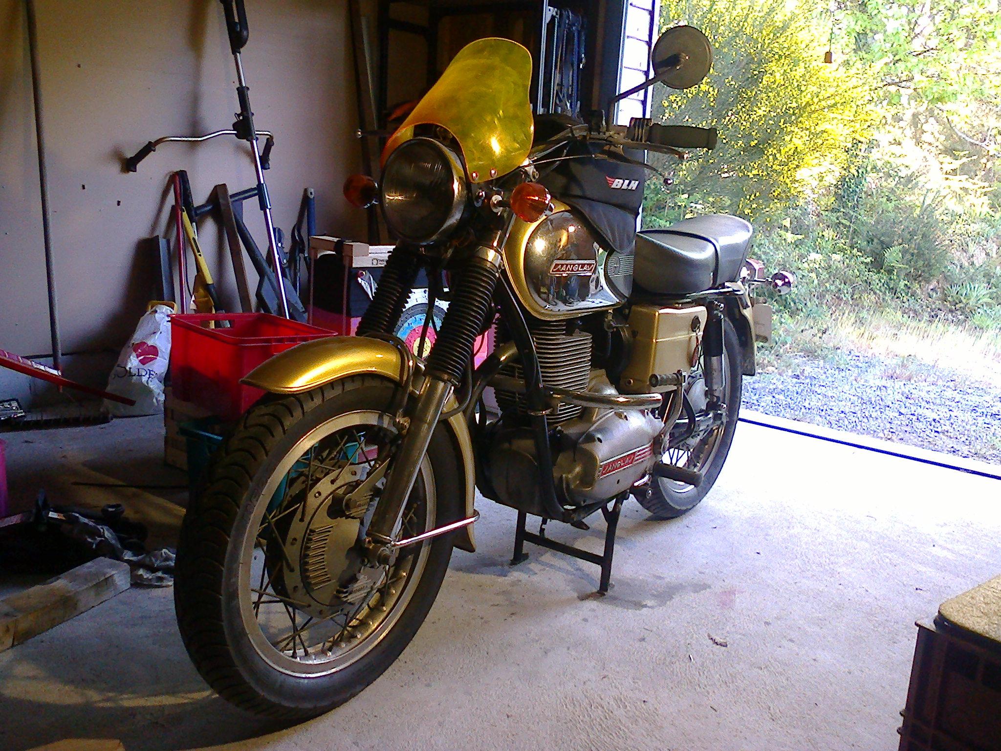Le garage de Marzan, reprise. Photo0070